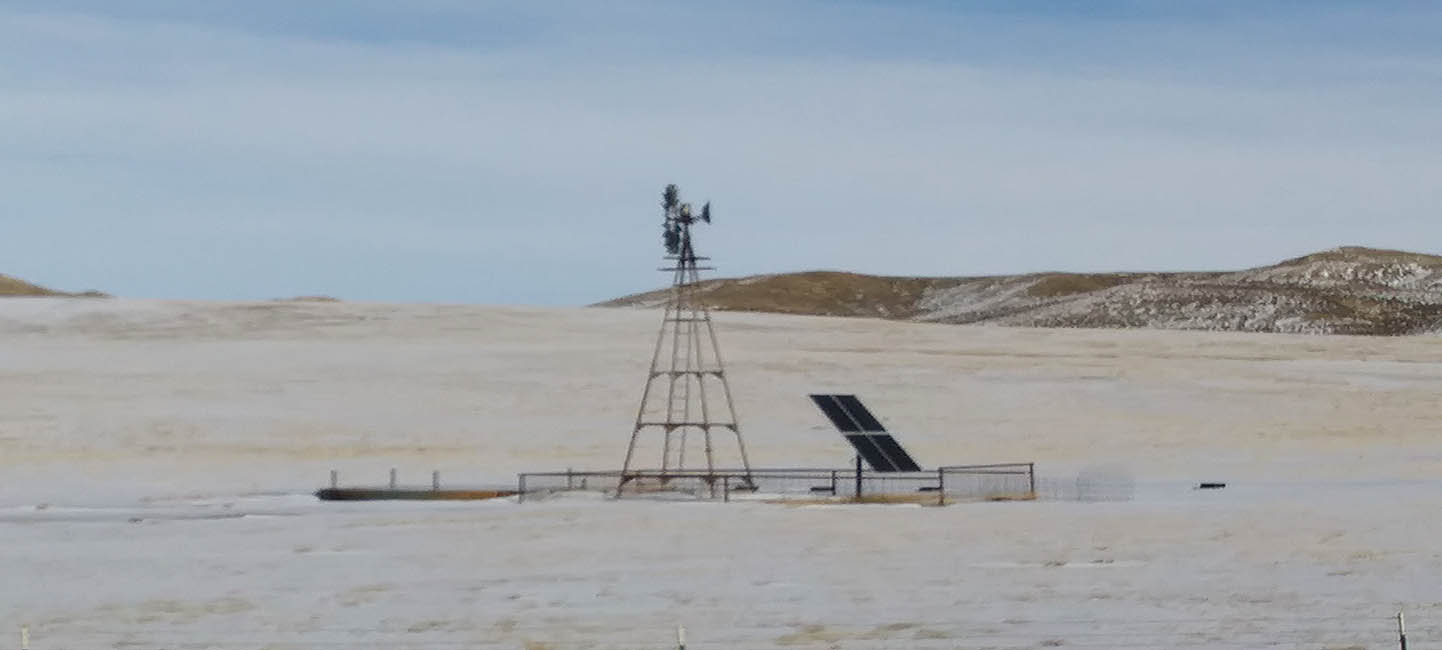 Wyoming-windmill-with-solar-panel-2018